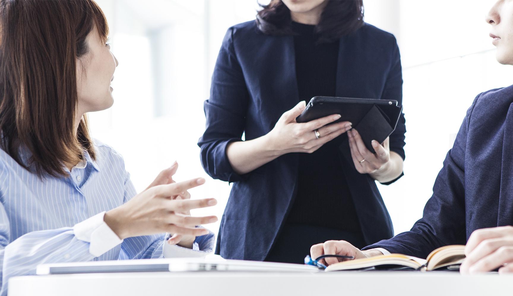 人間的成長を支援するコミュニケーションの専門家 | 都内で企業向けの中堅社員研修を受けるなら「仮面ソムリエール」